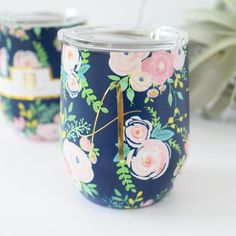 Personalized floral bridesmaid tumbler for bridesmaid gifts  #affiliate #bridesmaid #giftideas #giftsforher #bridesmaidgift Personalized Gifts For Mom, Personalized Bridesmaid Gifts, Personalized Tumblers, Best Friend Christmas Gifts, Unique Christmas Gifts, Bridesmaid Gifts Unique, Cool Gifts For Teens, Birthday Gifts For Husband, Bachelorette Gifts