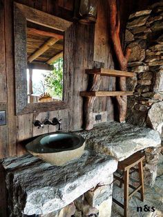 Baño de los Picapiedras.  The Flintstones bathroom.