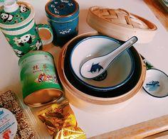 Mon Père Noël secret venait de Chine (Belleville) @yoanbd  #chinesefood #paris #christmasgift #pandas #christmas
