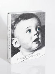 """O livro """"Giorgio Armani"""" (Foto: Divulgação)"""