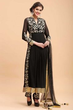 Looking for Straight pant/Trouser Suit for women? Shop Trouser Suits Online – Get Women Trouser Salwar Kameez & Straight Suit with wide range of styles and color selection at huge discount in Malaysia. New Designer Dresses, Ethnic Wear Designer, Designer Sarees Online, Salwar Kameez, Diwali Dresses, Bollywood Dress, Straight Trousers, Latest Fashion Design, Desi Clothes