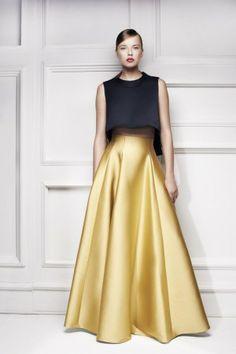Floral Skirt Outfits, Denim Skirt Outfits, Couture Fashion, Hijab Fashion, Fashion Dresses, Gala Dresses, Evening Dresses, Look Formal, Pinterest Fashion