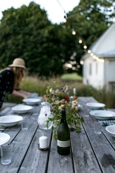 Best Last Minute Mini Moment Celebrations DIY Ideas? Best Last Minute Mini Moment Celebrations DIY Ideas? Best Last Minute Mini Moment Celebrations DIY Ideas? Best Last Minute Mini Moment Celebrations DIY Ideas? Fresco, Outdoor Dining, Outdoor Spaces, Outdoor Ideas, Summer Hygge, Vie Simple, End Of Summer, Outdoor Entertaining, The Fresh
