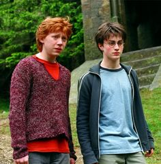 Harry Potter and the Prisoner of Azkaban - Publicity still of Daniel Radcliffe & Rupert Grint. The image measures 1400 * 920 pixels and was added on 7 July Harry Hermione Ron, Ron And Harry, Ron Weasley, Harry Potter Films, Harry Potter Love, Harry Potter Halloween, Rupert Grint, Yer A Wizard Harry, Prisoner Of Azkaban
