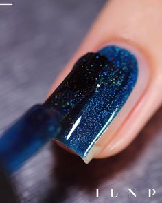 ILNP Isabella, petrol blue holographic nail polish swatch - Home Design Nagellack Design, Nagellack Trends, Gel Nails At Home, Diy Nails, Classy Nails, Stylish Nails, Acrylic Nail Designs, Acrylic Nails, Coffin Nails