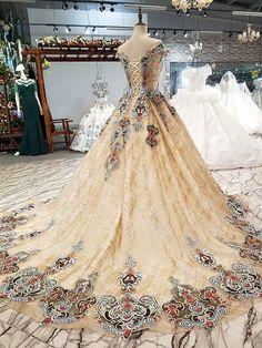 12793358213 23 Inspiring Wedding dresses - Slim Hourglass body shape bride ...