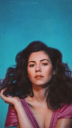 Marina Diamandis | This Singer-Artist has an incredible resemblance to my mom when she was young. I am so obsessed with her right now, not only because that, but cuz she sings amazing.