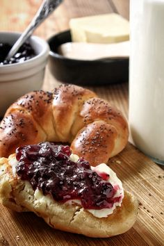 Makové loupáčky – The Olive Bagel, Bread, Food, Brot, Essen, Baking, Meals, Breads, Buns