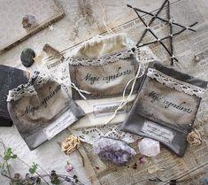 La Druidesse .pochette coton bio & dentelle ancienne pochon