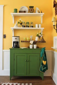 Build your own coffee station now! Here are the best coffee station and coffee bar design ideas for your home. Check 'em out! Coffee Station Kitchen, Coffee Bars In Kitchen, Coffee Bar Home, Home Coffee Stations, Beverage Stations, Dining Room Shelves, Wall Shelves, White Shelves, Floating Shelves