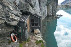 Fjeldfarerhytta, one of simpler (yet, very charming) cabins.