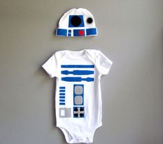 Baby Noa, time to get your geek on! Toddler Costume Star Wars Baby Clothes by TheWishingElephant. , via Etsy. Funny Babies, Cute Babies, Baby Kids, Baby Baby, Baby Outfits, Star Wars Onesie, Costume Robot, Leia Costume, Kids Fashion