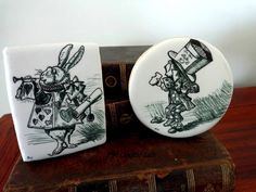 Awesome Hand Illustrated Alice In Wonderland Cookies made by The Cookie Lab