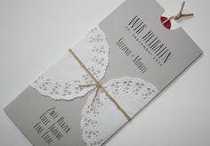 """Hochzeitskarte VINTAGE mit Spitze und Naturkordel in der Farbe """"Grau"""" bei www.aylando.de"""