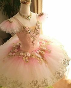 Image discovered by KristyKat. Find images and videos about pink, dress and ballet on We Heart It - the app to get lost in what you love. Tutu Costumes, Ballet Costumes, Cute Dresses, Beautiful Dresses, Tutu Ballet, Ballerina Dress, Ballet Russe, Ballet Clothes, Ballet Fashion