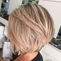 70 Cute and Easy-To-Style Short Layered Hairstyles - Balayage Haare Blond Kurz Asymmetrical Bob Haircuts, Choppy Bob Hairstyles, Short Layered Haircuts, Bob Hairstyles For Fine Hair, Lob Hairstyle, Layered Hairstyles, Fine Hair Bobs, Hairstyles 2016, Formal Hairstyles