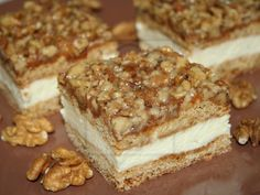 Honey slices with walnut grill recipe The post Honey slices with walnut grill recipe appeared first on Dessert Platinum. Nutella Drink, Desserts Nutella, No Cook Desserts, Czech Recipes, Russian Recipes, Sweet Recipes, Cake Recipes, Food Cakes, Cooking