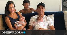 Ronaldo revela nova fotografia dos gémeos e em família