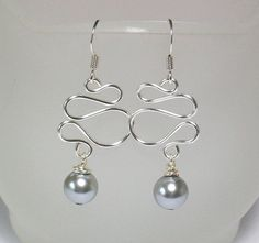 silver wire earrings made with my trusty wig jig