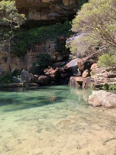 Crystal clear water at the base of the waterfall. Gudda Gumoo Walk at Blackdown Tableland National Park. Australian Road Trip, Australia Travel, Queensland Australia, Western Australia, Channel, Beautiful Places To Travel, Roadtrip, Travel Aesthetic, Travel Goals