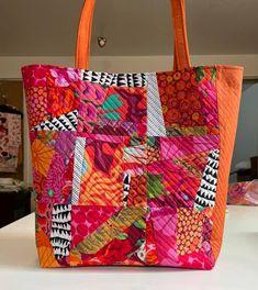 agilejack – agilejack Patchwork Bags, Quilted Bag, Art Quilting, Quilt Art, Rag Quilt, Quilting Ideas, Quilting Projects, Quilts, Fabric Scraps