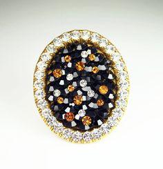 Vintage La Porte Bleue Paris Rhinestone Gold Chunky Brooch.