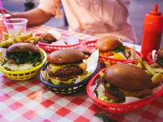 notting hill - Boom Burger - The Londoner
