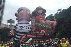 Na manifestação em São Paulo, há bonecos de Lula e Dilma, além de cartazes pedindo o fim da corrupção / Protestos contra Dilma acontecem em pelo menos 22 estados | Galeria | Notícias | band.com.br - Band.com.br
