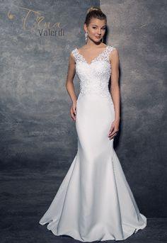 Saténové svadobné šaty s výstrihom v tvare V