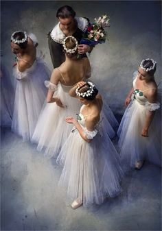 ImageFind images and videos about dance, ballet and ballerina on We Heart It - the app to get lost in what you love. Ballerina Dancing, Ballet Dancers, Shall We Dance, Just Dance, Ballet Photography, Beauty Photography, Russian Ballet, Dance Movement, Ballet Beautiful