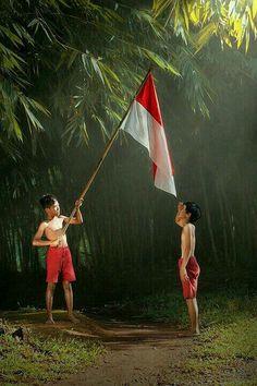 I Love Indonesia. Andri discover love on indonesia Tetap bersyukur Kids Photography Boys, Art Photography, Indonesian Art, Beautiful Children, Art Pictures, Photo Art, Cool Photos, Persona, History