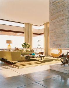 Modern Living Room by Sawyer/Berson and Sawyer/Berson in Bridgehampton, New York