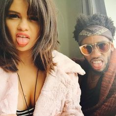 Selena Gomez FINALLY Strikes Back At Miley Cyrus Making Fun Of Her Sexy, Sultry Instagram Pictures! - http://oceanup.com/2015/01/25/selena-gomez-finally-strikes-back-at-miley-cyrus-making-fun-of-her-sexy-sultry-instagram-pictures/