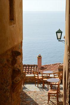 Μονεμβασιά - Monemvasia (Greece) Outdoor Chairs, Outdoor Furniture, Outdoor Decor, Greece, Holidays, Country, Travel, Home Decor, Viajes