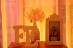 detalhe decoração primeira comunhão Celebrations, Table Lamp, Frame, Awesome, Beautiful, Ideas, Home Decor, Vintage Decor, Eucharist