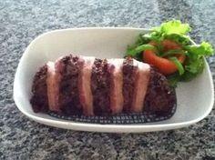 Aprenda a preparar a receita de Rocambole de carne moída maravilhoso