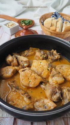 Pollo a la andaluza Turkey Recipes, Mexican Food Recipes, Chicken Recipes, Ethnic Recipes, Easy Dinner Recipes, Easy Meals, Pollo Chicken, Spanish Dishes, Cooking Recipes
