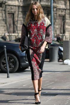 Candela Novembre looking especially chic in Milan.