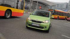 """Citigo z """"półautomatem"""" pozwala lewej nodze odpocząć w ruchu miejskim.  Czytaj więcej na http://www.magazynauto.pl/testy/testy-porownania/news-skoda-citigo-1-0-a-t-elegance-test,nId,944849?utm_source=paste_medium=paste_campaign=firefox"""