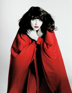 Kate Bush - what a singer, songwriter, musician! Jennifer Aniston Style, Uk Singles Chart, Women In Music, Her Music, Celebs, Celebrities, Record Producer, Music Artists, Actresses
