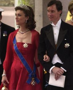 Princess Sibilla (in her Art Deco Tiara) and Prince Guillaume of Luxembourg arrive at Oslo Cathedral for the wedding ceremony; wedding of Crown Prince Haakon of Norway and ms. Mette-Marit Tjessem Høiby, August 25th 2001