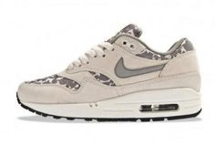 uk availability e2575 a73f6 Liberty x Nike WMNS Air Max 1
