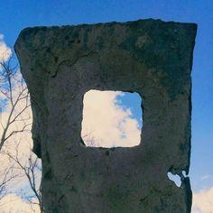 Cornice in ardesia.  #cornice #incorniciare #ardesia #pietra #nuvole #cielo #scultura #stone #pictureframe #sky #clouds #picoftheday #sculpture #genova #liguria #window #nature