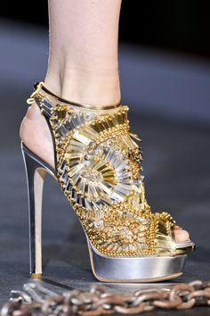 Tendencias accesorios primavera verano 2013 zapatos y bolsos joya: Dsquared2