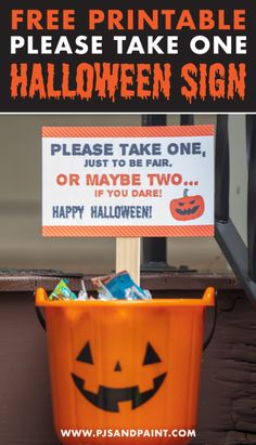 I created this free printable trick or treat sign for anyone out there like me who wants to be in the Halloween spirit without being seen! First Halloween, Halloween Signs, Halloween Porch, Holidays Halloween, Halloween Decorations, Halloween Costumes, Halloween 2020, Happy Halloween, Halloween Candy Bowl
