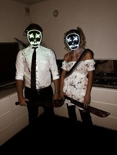 31 Best Couples Costumes and Matching Costumes For Helloween You Must Try In Nex Halloween Costume Scary Couples Halloween Costumes, Best Couples Costumes, Homemade Halloween Costumes, Halloween Outfits, Couple Costumes, Halloween Decorations, 3 People Costumes, Friend Costumes, Diy Halloween Costumes