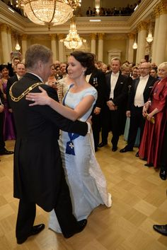 Linnanjuhlat Bridesmaid Dresses, Wedding Dresses, Finland, History, Fashion, Bridesmade Dresses, Bride Dresses, Moda, Bridal Gowns