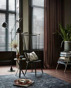 Mooie donkere warme tinten in dit #interieur. #inspiratie