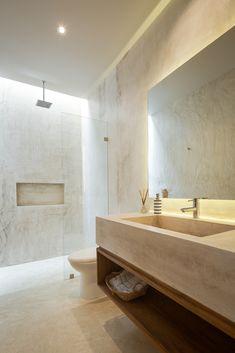 Aldea Ka'a Tulum by Studio Arquitectos Bathroom Inspiration, Interior Inspiration, Plafond Design, Courtyard Design, Apartment Complexes, Bathroom Interior Design, Interiores Design, Master Bathroom, Interior And Exterior
