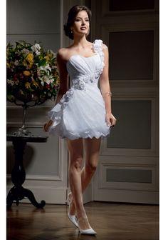 Vestidos de noiva são a personalidade da noiva atrelada ao estilo do casamento.Uma ótima alternativa que combina conforto e modernidade é usar um vestido de noiva curto. Cada vez mais as noivas estão aderindo a esta tendência. Os vestidos de … Ler mais →